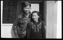 617_1_AT_mom_&_Dad_in_uniform_1940s.jpg